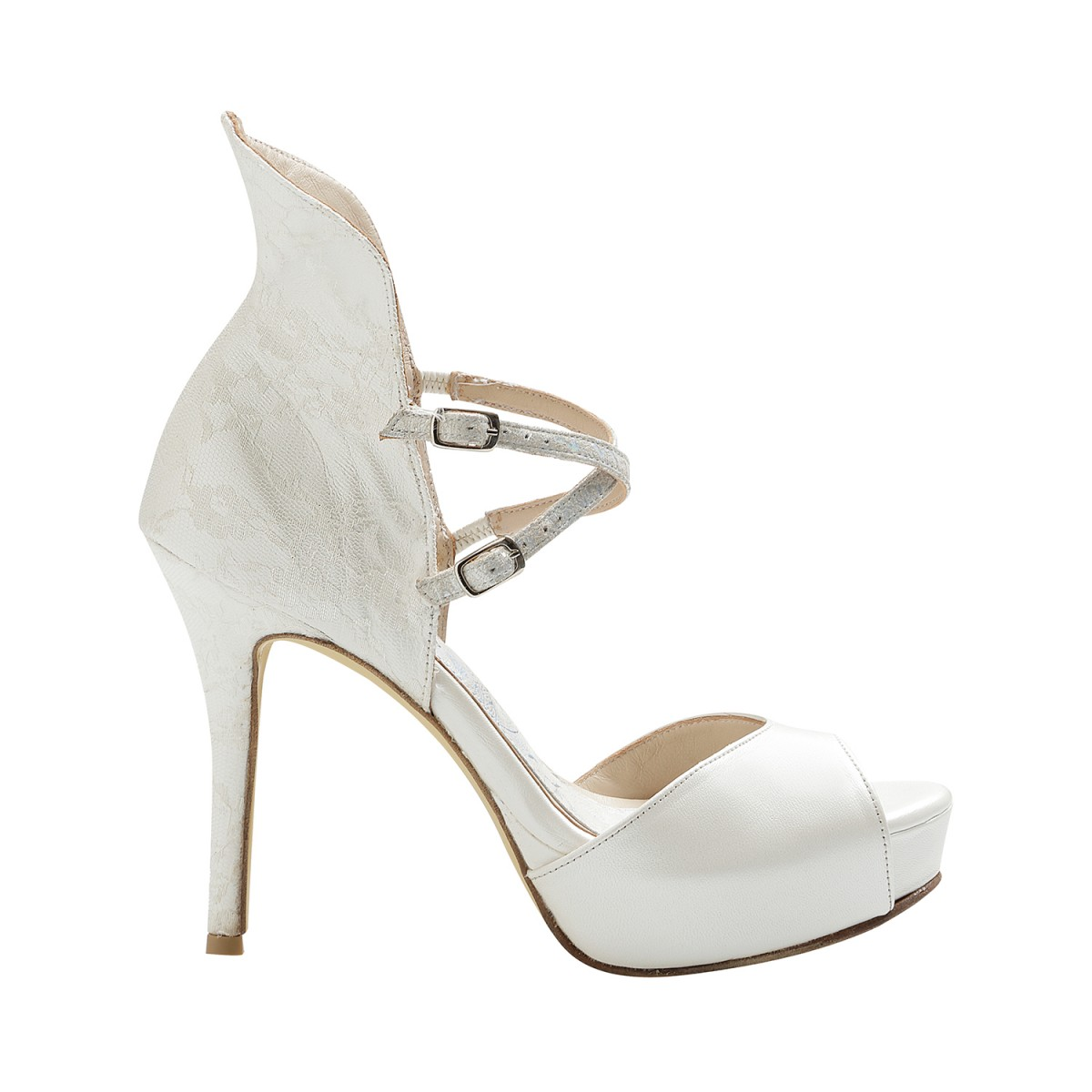 59c899c4cc9 facebook: shoes divina
